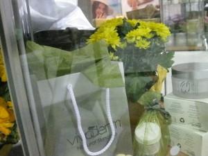 Vivoderm display table